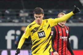 Gol Reyna hindarkan Dortmund dari kekalahan di markas Frankfurt