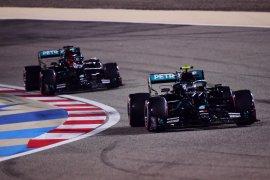 Bottas rebut pole position, Russell harus puas start P2 di GP Sakhir