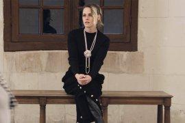 "Kristen Stewart jadi satu-satunya penonton di ""fashion show"" Chanel"