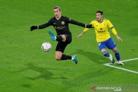 Dipermalukan Cardiz, Koeman sebut pemain Barcelona karena kurang fokus