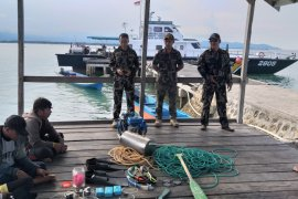 KKP ringkus tiga penangkap ikan pakai racun di Morowali Sulteng