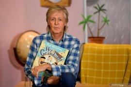 """Kisah Paul McCartney \""""The Beatles\"""" diadaptasi menjadi serial dokumenter"""