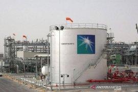 Harga minyak anjlok terseret penguatan dolar dan ekspektasi pasokan OPEC+