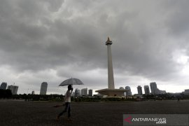 BMKG prakirakan hujan ringan di Jakarta pada Minggu malam