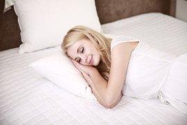"Manfaat tidur cukup untuk kulit \""glowing\"""
