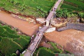 Jembatan Kalipetung Kabupaten Batang Roboh
