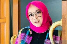 Presenter Rina Gunawan meninggal dunia