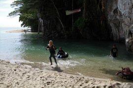 Pemkab Kolaka kembangkan wisata pantai