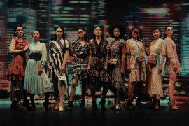 """Rumah mode Barli Asmara hadirkan koleksi """"Nocturnal Hours"""""""