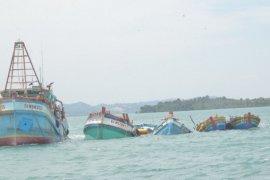 KKP-Kejaksaan lakukan eksekusi penenggelaman 10 kapal pencuri ikan