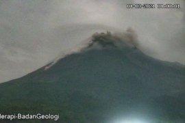 Gunung Merapi kembali luncurkan awan panas guguran sejauh 1,2 Km