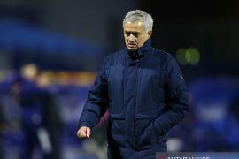Spurs \'gila\' pecat Jose Mourinho sebelum final Piala Liga