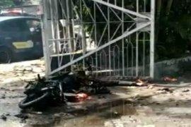 Bom meledak di pintu gerbang Gereja Katedral Makassar Minggu pagi