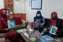 Ketua DPRD Kulon Progo serahkan donasi buku ke SMA Negeri 2 Wates