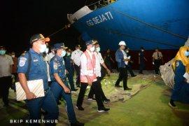 Menhub minta pengelolaan empat dermaga di Pelabuhan Badas disatukan untuk efisiensi