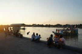 Ngabuburit Di Pelabuhan Rambang Palangka Raya