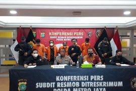 Polda Metro tangkap lima rampok bermodus polisi gadungan