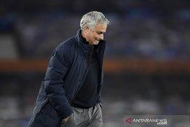 Mourinho tidak targetkan kembali ke manajemen musim depan