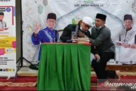 Ustaz Zacky Mirza pingsan saat ceramah di Lubuk Dalam Siak, ini penjelasan puskesmas