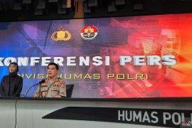 Joseph Paul Zang dipastikan masih menggunakan paspor WNI