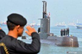 Pencarian kapal selam KRI Nanggala-402 hilang kontak masih nihil