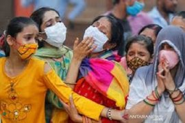 Kebanjiran korban meninggal COVID-19, India mulai lakukan kremasi massal