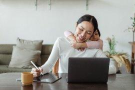 """Tiga """"skill"""" penting untuk ibu jadi """"mompreneur"""" di rumah"""