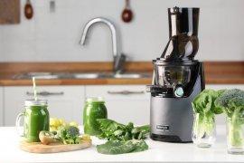 """Cara mudah konsumsi menu sehat dengan """"slow juicer"""""""