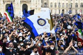 Fans Inter Milan rayakan scudetto