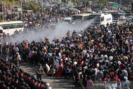 Pasukan Myanmar lepas tembakan ke demonstran, lima tewas