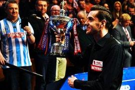 Mark Selby memimpin 10-7 atas Murphy di final kejuaraan snooker dunia