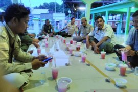 Ini kebiasaan berbuka puasa di Pulau Sabira