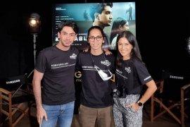 Cerita Dian Sastro dan Reza Rahadian syuting film bermodal ponsel