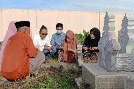 Pekuburan Islam di Mamuju Sulbar dipadati peziarah