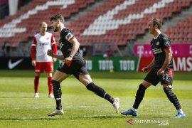 PSV raih tiket Liga Champions walau cuma imbang, AZ ke Liga Europa