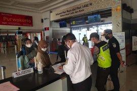 Puluhan calon penumpang di Stasiun Purwokerto ditolak naik kereta api