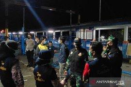 Polres Maros perketat pemantauan swab di Bandara Sultan Hasanuddin