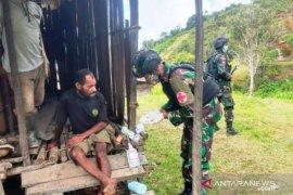 Satgas TNI berikan layanan kesehatan gratis warga OAP di perbatasan RI-PNG