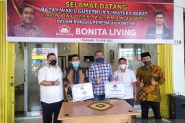 Dari umroh ke furniture, Bonita group buka cabang di Padang