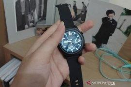"""OASE Horizon W1, \""""smartwatch\"""" ringan  berfitur lengkap"""