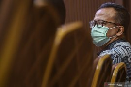 Mantan Menteri Edhy Prabowo dituntut 5 tahun penjara