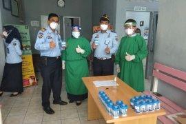 Pegawai Lapas Rajabasa di tes urine secara mendadak