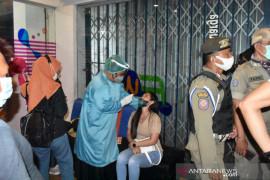 Pemkab Banggai terapkan swab di tempat bagi pelanggar prokes COVID-19