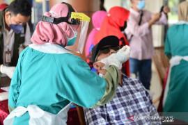 3.780 sampel pasien COVID-19 dites labor Pekanbaru setiap hari