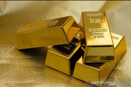 Harga emas naik 2 dolar, selera risiko reda dan yield obligasi turun