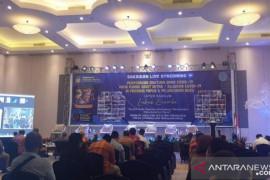 Gubernur Lukas Enembe meluncurkan tiga buku terkait Papua