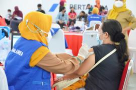 Masyarakat antusias ikuti vaksinasi massal dosis pertama di Unhas
