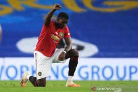 Tentang rasisme, Liga Inggris dukung pemain berlutut jelang tanding