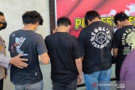 Polisi tangkap delapan orang terduga peserta tarung bebas di Makassar