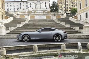 Roma sports coupe hantarkan Ferrari terjun ke segmen hybrid